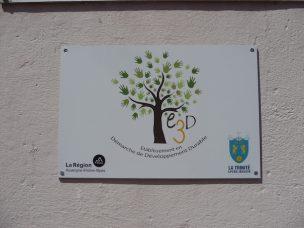 La plaque E3D Démarche Développement Durable de Fénelon - La Trinité